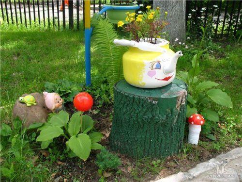как украсить сад своими руками из подручных материалов фото