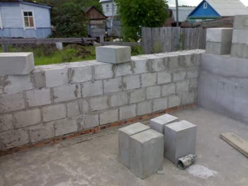 Стоит ли строить дом из пенобетона?