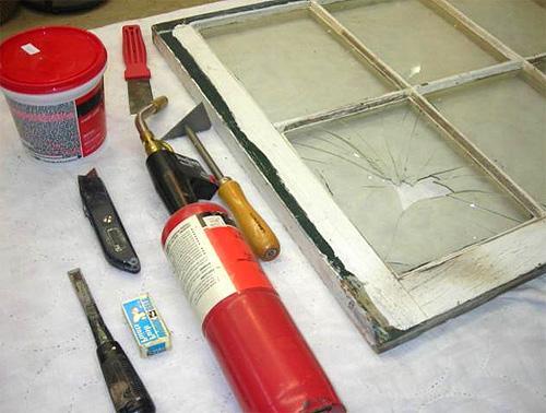 Как снять краску с окон? Подготовка окон к покраске