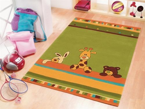 Мультяшный ковер в детской комнате