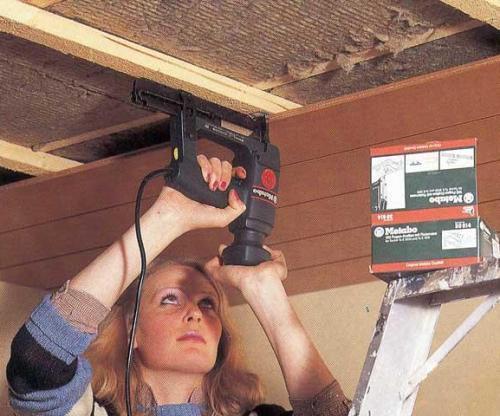 Монтаж деревянных потолков