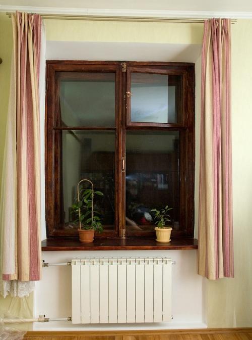 Отреставрированное деревянное окно