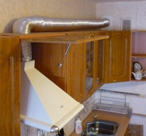 Как подключить вытяжку к вентиляции?