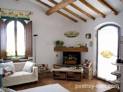 Светлый дизайн интерьера дачного дома