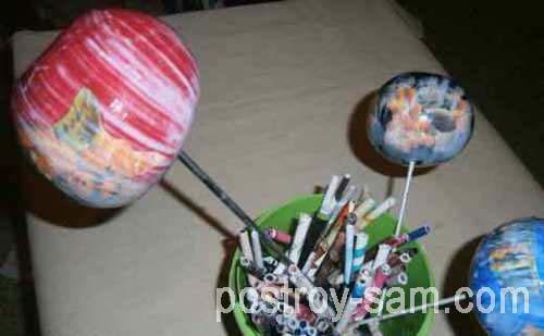 Как украсить елочные шары?