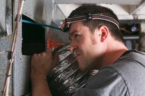 Очистка и дезинфекция вентиляции. Когда это можно сделать своими руками, а когда доверить специалистам?