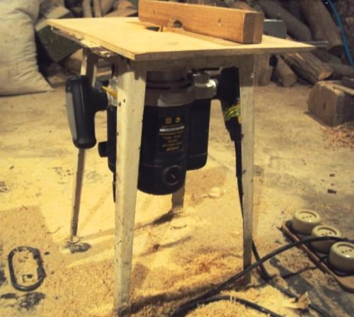 Простейший стол для фрезера своими руками