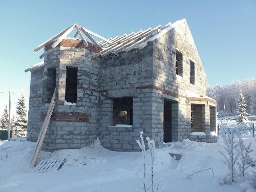 Строим дом зимой. Почему строить дом зимой будет дороже?