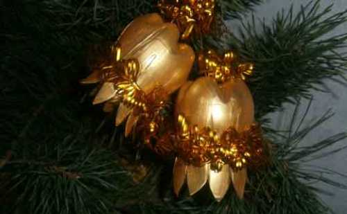 Золотые новогодние колокольчики