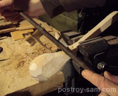 Обработка ложки напильником
