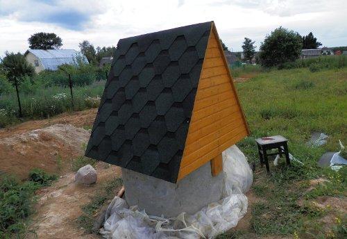 Как сделать домик для колодца?