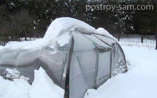 Теплица разрушена снегом