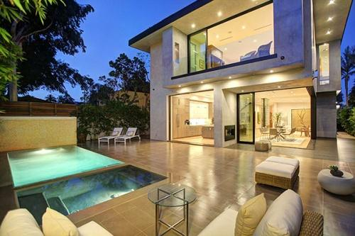 Особняк в калифорнийском стиле в Лос-Анджелесе