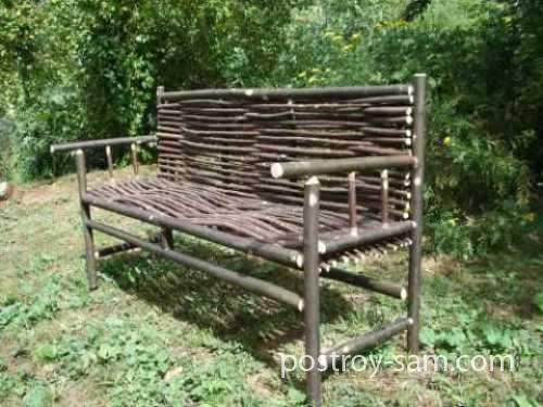 Плетеная скамейка