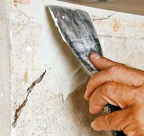 Ремонт трещины в стене из штукатурки