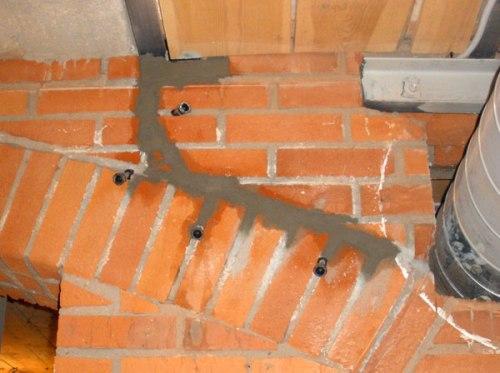 Заделка трещин в кирпичной стене
