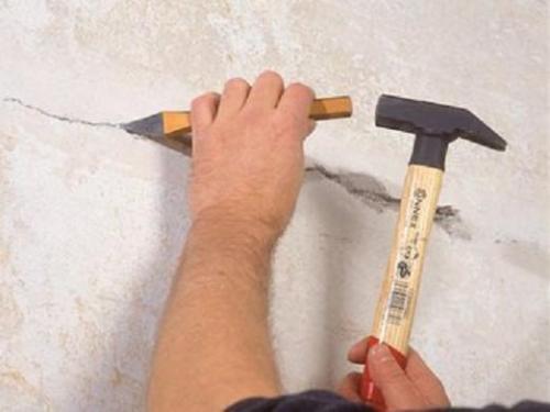 Ремонт трещин в стенах