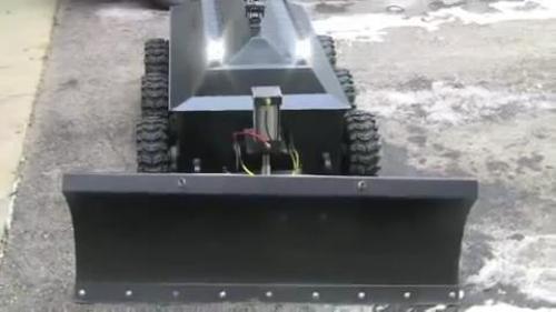 Самодельный радиоуправляемый снегоуборщик для уборки участка