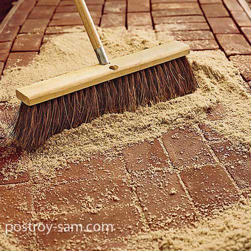 Заполнение щелей песком