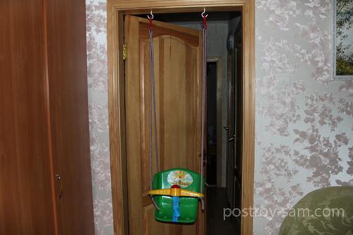 Как повесить детские качели в квартире?