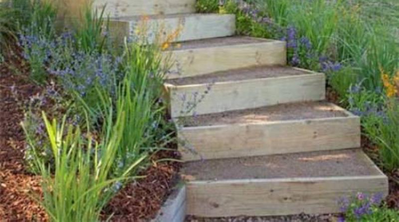 Как сделать ландшафтную лестницу своими руками?