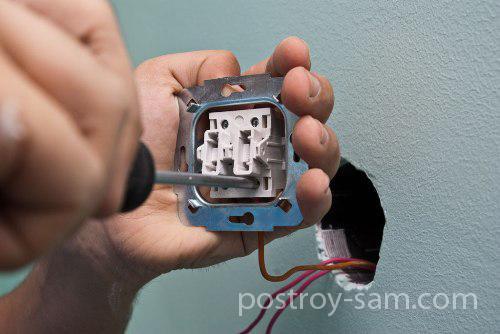 Подключение фазного провода