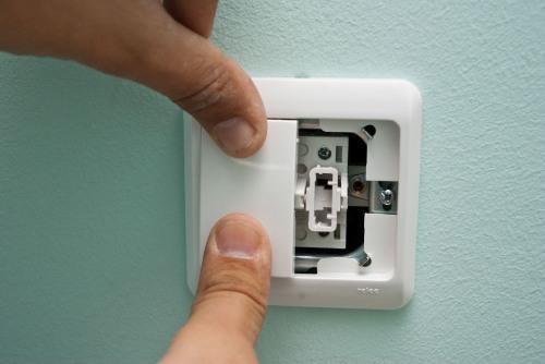 Как установить двойной выключатель