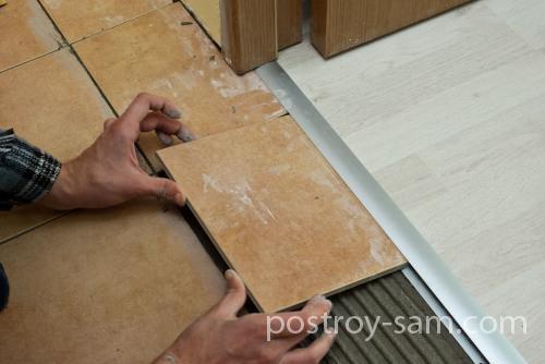 Укладка плитки в пороге
