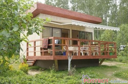 Дачный домик с террасой. Фото