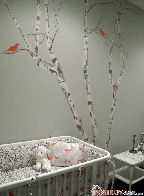Дерево на стене с птичками