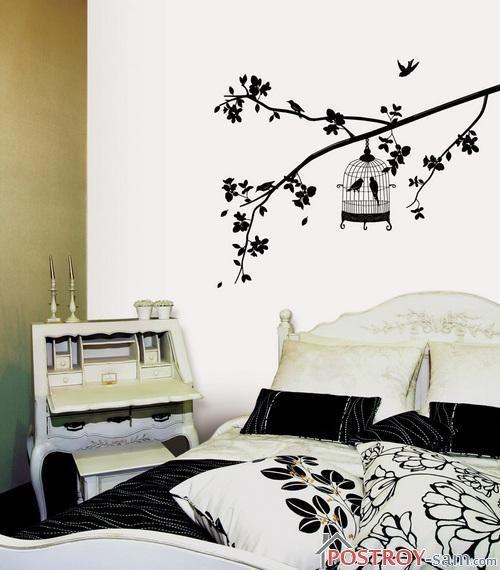 Ветка дерева на стене