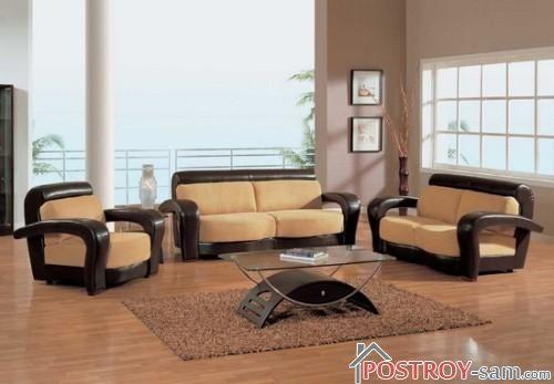 Коричневый коврик в гостиную прямоугольной формы