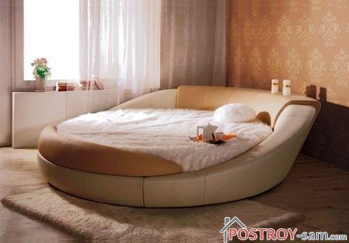 Диван кровать в спальне