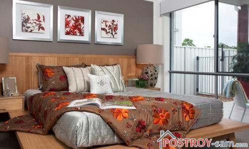 Деревянная кровать в спальню