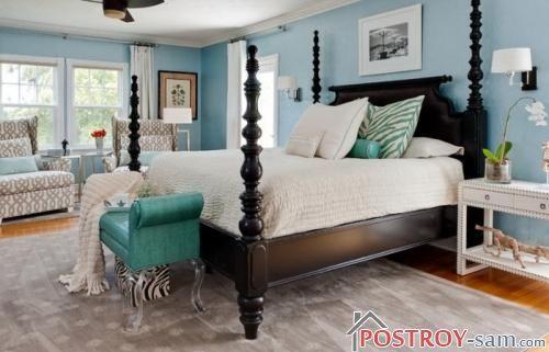 Фото фигурной кровати из массива