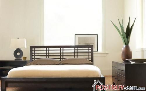 Темная кровать в спальню