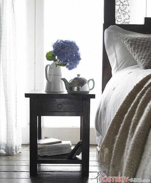 Деревянная прикроватная тумбочка для спальни