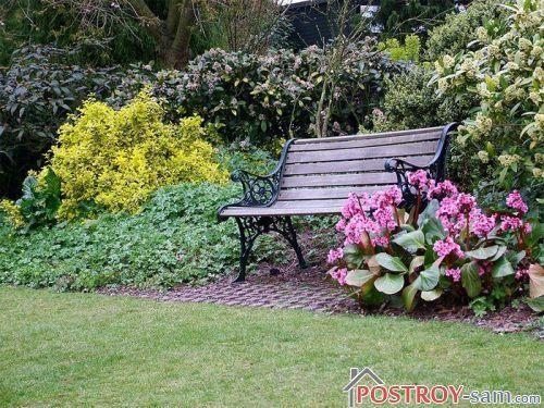 Стационарная садовая скамейка