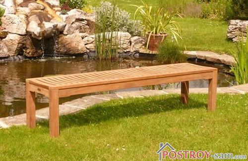 Фото скамейки у водоема