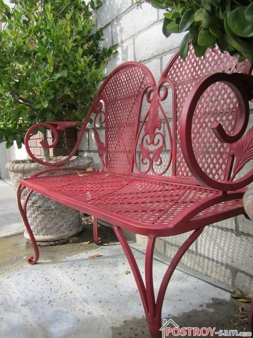 Садовая скамейка из металла с элементами ковки