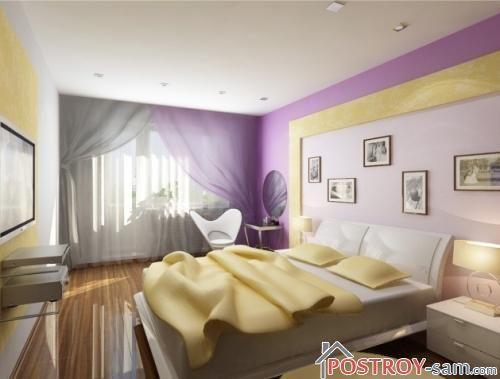 Узкая яркая спальня