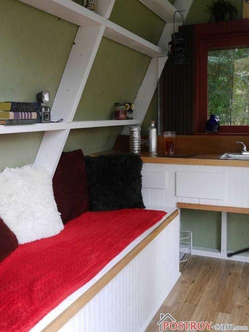 Интерьер маленького дачного домика фото