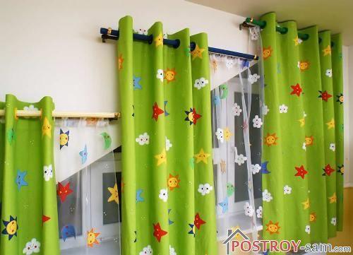 Шторы в детской на косых окнах