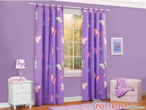 Фиолетовые шторы с бабочками