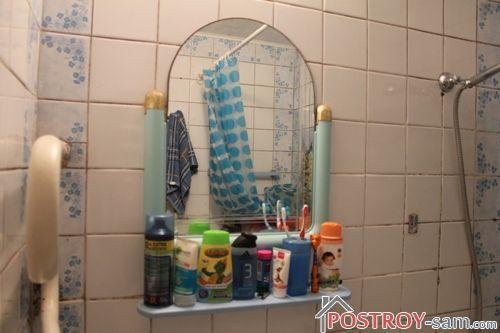 Старое зеркало в ванной