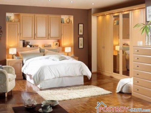 Яркая и бежевая спальня