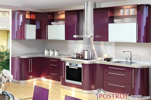 Интерьер кухни с фиолетовым цветом