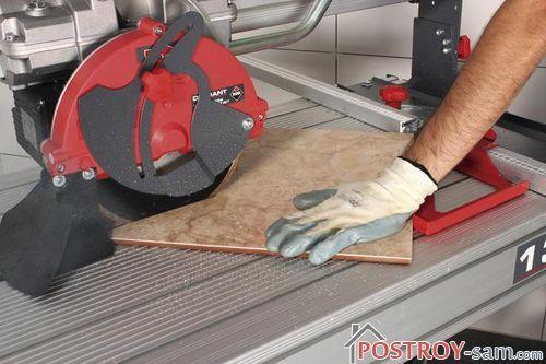 Как выбрать электрический плиткорез? Виды и основные характеристики плиткорезов