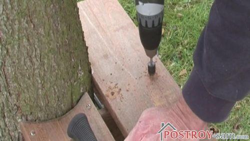 Крепление досок сидения скамейки