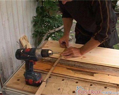 Новые доски деревянного пола